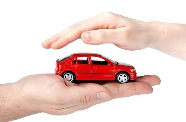 Чем отличаются страховки КАСКО и ОСАГО? Стоимость, страховые выплаты