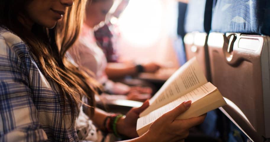Чем заняться в самолете при долгом перелете?
