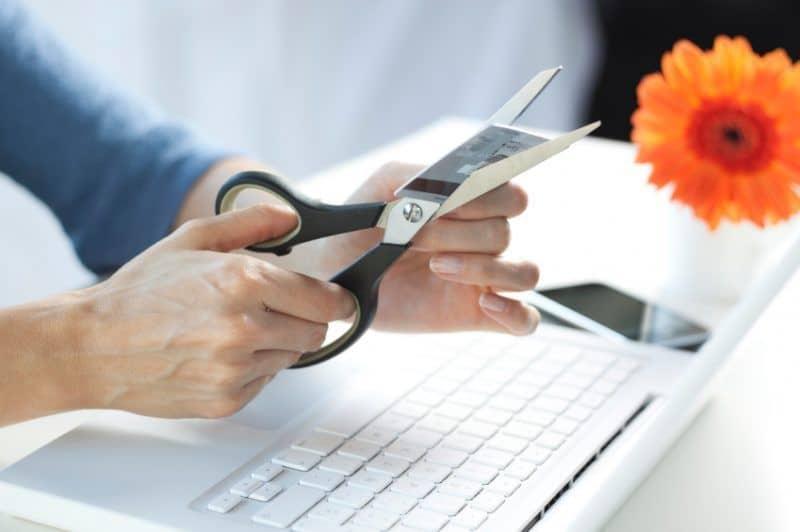 Как правильно закрыть дебетовую карту? На примере Тинькофф, Сбербанка, Альфа-банка и Хоум Кредит